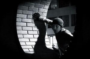 Burgler caught in act